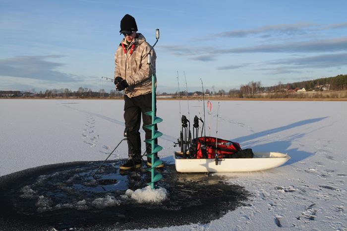 Icefishing-pulk.jpg